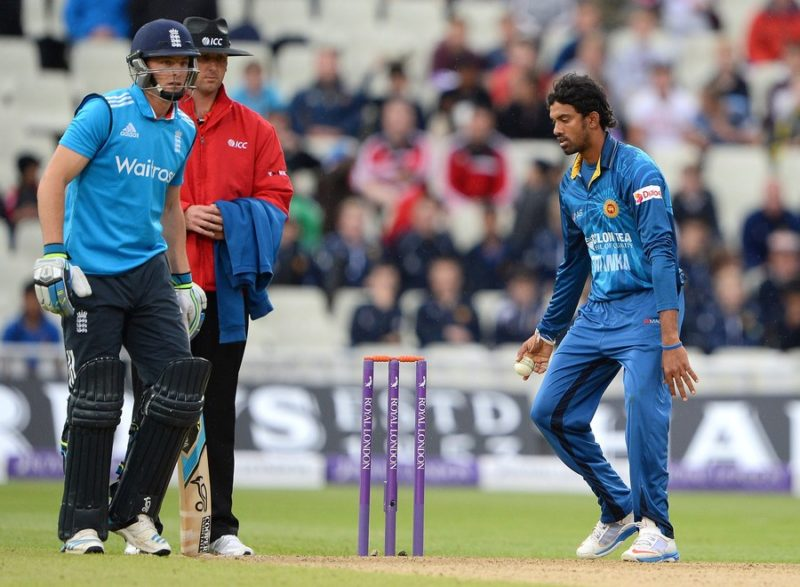 Sachithra Senanayake runs out Jos Buttler