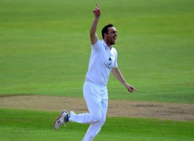 Hampshire wrap up emphatic Worcestershire win