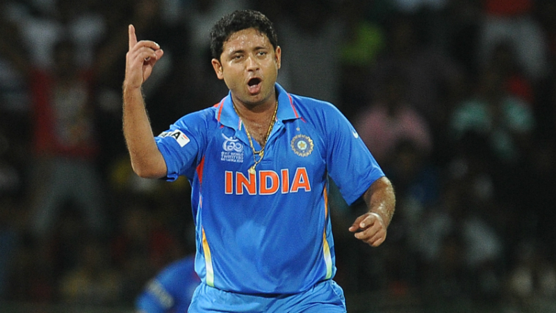 Piyush Chawla removed the in-form Jason Roy in the first over itself