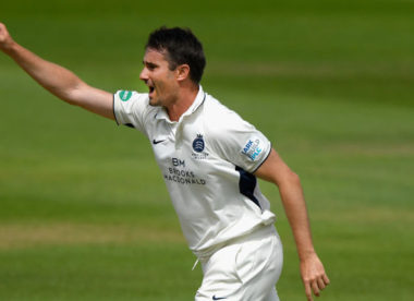 Harris & Murtagh lead Middlesex to big win