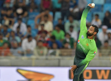 Mohammad Hafeez cleared to resume bowling