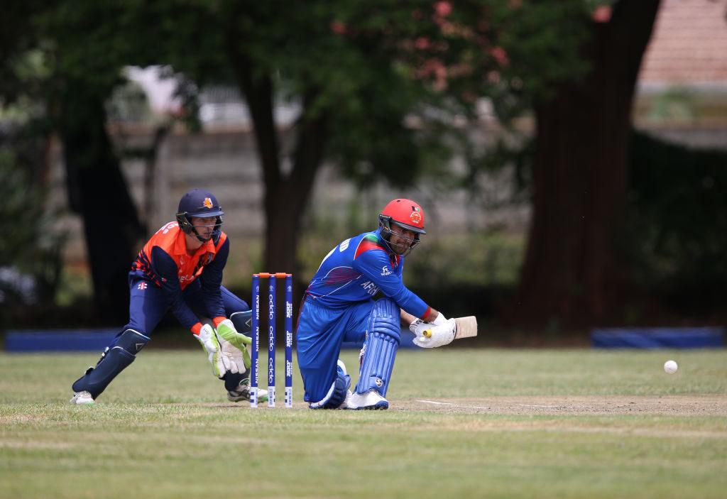 Rashid Khanscored a crucial unbeaten 10-ball 34 to boost Hyderabad's total