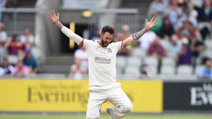 Jordan Clark pens three-year deal with Surrey