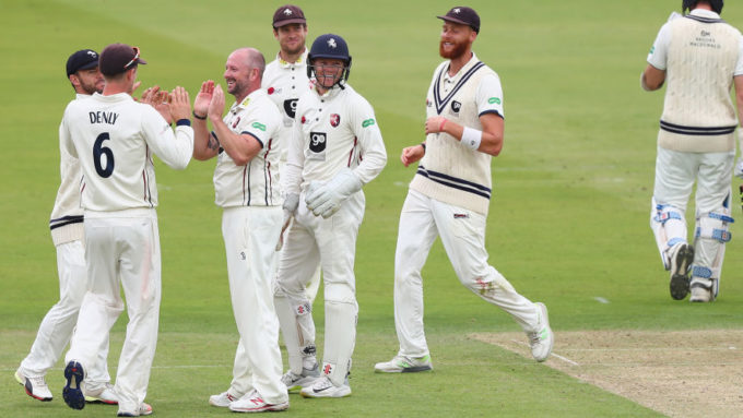 Kent promoted to Division One of the County Championship