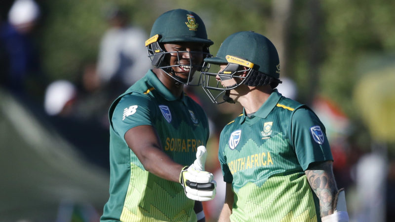 Lungi Ngidi looks as surprised – shocked? – as Steyn after the latters half-century