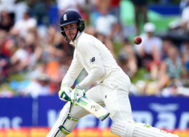 Jennings hits second Test century