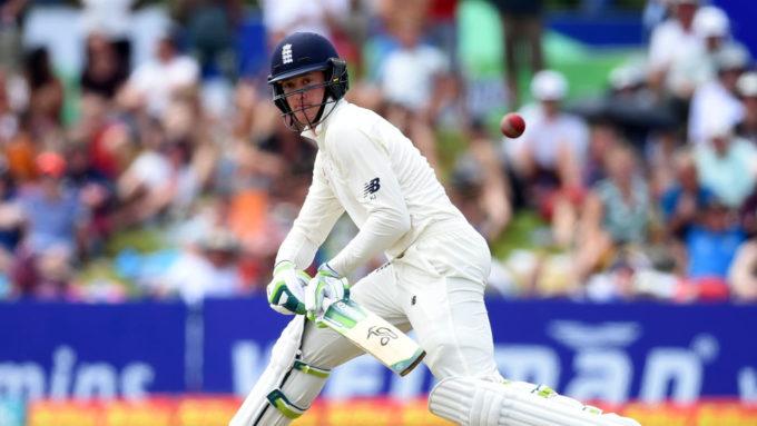 Jennings hits second Test century