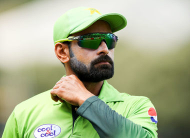 Hafeez ruled out of Pakistan Super League with fractured thumb