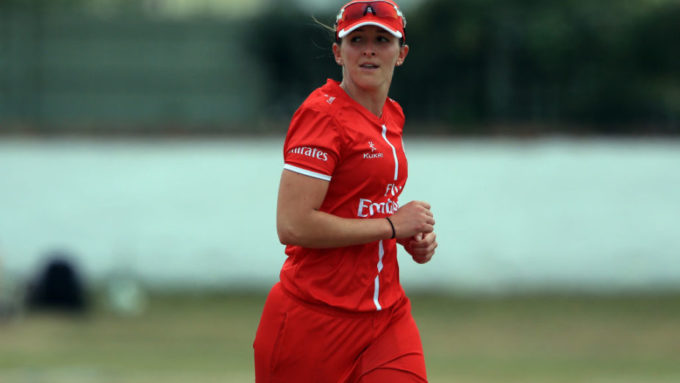 Kate Cross pulls off heist as England take series 3-0