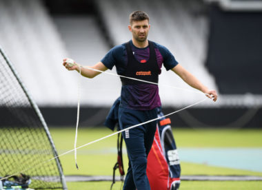 England opt for all-out pace as Plunkett is dropped for Pakistan clash