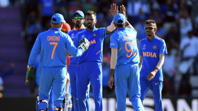 Pandya replaces Bhuvneshwar, but no sign of Dhoni for South Africa T20Is