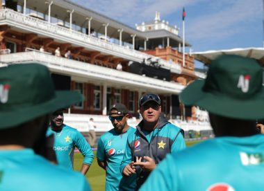 Axed Pakistan coach Mickey Arthur 'extremely disappointed & hurt'