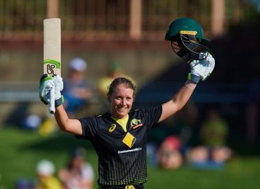 Alyssa Healy hits record-breaking 148*