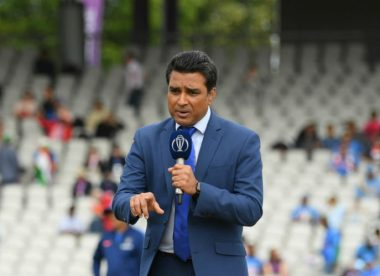 Sanjay Manjrekar comes in for flak for remarks to Harsha Bhogle