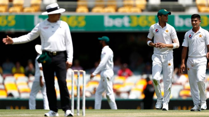 Umpires under spotlight after missed no-balls in Australia-Pakistan clash