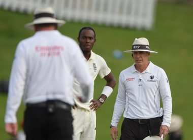 Jofra Archer allowed to continue bowling after double-beamer scare