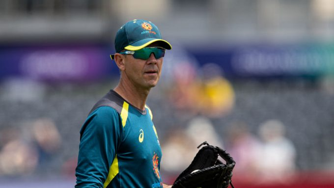 Ponting ups the nostalgia game by dusting off old Test shirt