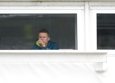Peter Siddle treated for smoke inhalation after abandoned BBL match