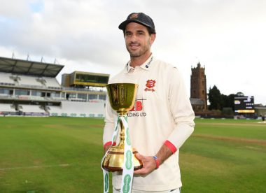 Ryan ten Doeschate steps down as Essex skipper