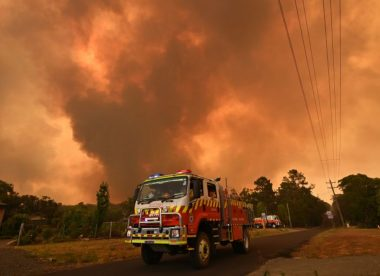 Fires threatening Sydney Test put focus on health and 'the real heroes'