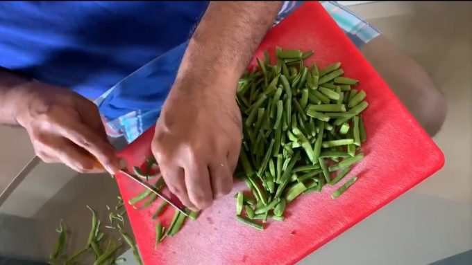 Sanjay Manjrekar offers tips on cutting vegetables into bits 'n' pieces